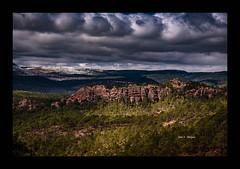 Disfrutando del Paisaje Protegido de los Pinares de Rodeno (in explore #24 ) (Juan J. Marqués) Tags: pinos rodeno cielos sierra de albarracín