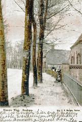 Renkum Nieuwe Weg 7 met gezin bij scheidingsmuur 1904 srtjw (Historisch Genootschap Redichem) Tags: renkum nieuweweg 7 met gezin bij scheidingsmuur 1904 srtjw