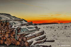 Wood pile in the sunset (GerWi) Tags: holzstapel schnee sno sunset himmel sky fz1000 winter abendrot