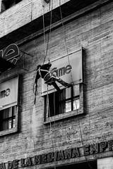 (charly84_jq) Tags: nikon nikond3200 nikonargentina nikonistas nikonista nikon3200 argentina arg byn blancoynegro bnw blackandwhite blackandwhitephoto bnwphoto bnwphotography fotoblancoynegro street streetphotography streetphoto callejeando calle city ciudad people gente