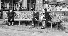 Who was on the bench 20 Feb 2019 (sasastro) Tags: bench burystedmundsbench whowasonthebench famousbench marketday wednesdaymarket benchsitters streetphotography candid peoplewatching burystedmunds suffolkuk mono pentaxk5iis