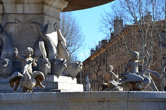Fontaine, place de la Rotonde (RarOiseau) Tags: aixenprovence paca bouchesdurhône place fontaine sculpture hiver saariysqualitypictures