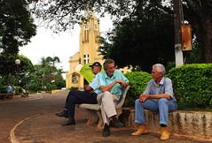 Naquela Praça (Sergio Bertolo) Tags: rua igreja praça amizade simplicidade