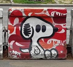 """Snoo..."" (Mars 2019) (Ostrevents) Tags: paris 75 france capitale europe europa artdanslarue artdelarue streetart art rue street bombage spray couleur color bandedessinée comicstreep comics snoopy chn ostrevents"