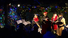 Christmas Carollers and Lights, Butchart Gardens, Brentwood Bay, BC, Canada (dannymfoster) Tags: canada britishcolumbia bc victoria brentwoodbay butchartgardens christmas christmaslight carollers christmascarollers