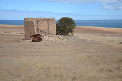 DSC_9690 farm ruins, Myponga Beach Road, Myponga Beach, South Australia (johnjennings995) Tags: mypongabeach ruin abandoned southaustralia australia farmhouse derelict