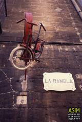 Taller de bicicletes (Arxiu del So i de la Imatge de Mallorca) Tags: palma mallorca bicicletes bicicletas bikes talleres tallers workshops insignias insígnia badges