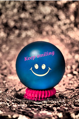 18/365: Keep smiling :-) (christiane.grosskopf) Tags: crazytuesday flickrcolours pink blue 18012019 january2019 day18365 3652019