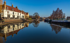 Crisp and Frosty start to the day in Ely, Cambs. (Ian Emerson (Thanks for all the comments and faves) Tags: ely cambridgeshire outdoor rivergreatouse reflection trees narrowboat barge publichouse water crispfrosty colourful canon6d