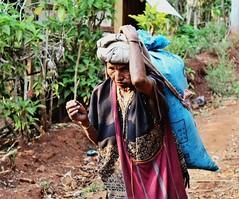 Karen woman 2 (m.iop91) Tags: entrylevel village travel thailand picture 4000d eos canon thai karen
