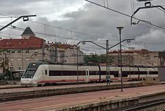 RENFE Class 599 3-car DMU No. 599 3-car DMU No. 9-599-091-6 (leading power car) + 9-599-092-4 (rear) at Alcazar de San Juan Station on 19 Oct 2018 (Trains and trams eveywhere) Tags: class599 dmu renfe spain train railways station alcázardesanjuan spanishrailways espana caf