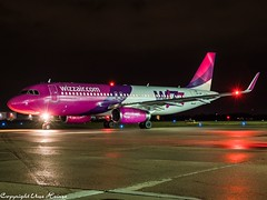Wizz Air HA-LWV HAJ at Night (U. Heinze) Tags: aircraft airlines airways airplane planespotting plane flugzeug haj hannoverlangenhagenairporthaj olympus eddv night nightshot