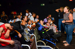 Alunos do NACE na carreta cinema (Prefeitura do Município de Bertioga) Tags: alunos do nace na carreta cinema primeira dama vanessa matheus