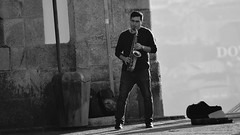 O Músico (Andre Felipe Carvalho) Tags: músico street photography fotografia rua portugal porto pelourinho