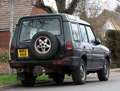 M182 RKR (Nivek.Old.Gold) Tags: 1995 land rover discovery tdi auto 5door 2495cc