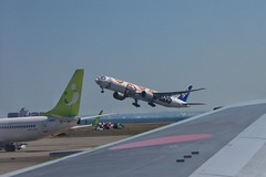 ANA STAR WARS JET B777-300ER // BB-8 (yuki_alm_misa) Tags: bb8 boeing plane starwars 航空機 全日空 starwarsjet 飛行機 ana airplane aeroplane b777 aircraft