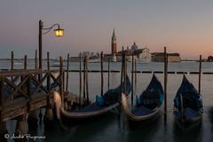 San Giorgio Maggiore (Venise) (abrugmans) Tags: bateau contrasteélevé terne véhicule gris àlextérieur