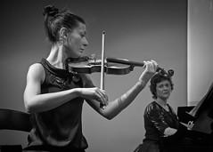 complicity (*BegoñaCL) Tags: violin piano duo couple music woman hand eye blackwhite livemusic concert begoñacl complicity armonía cooperación