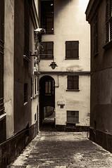 Vicolo Genovese (fabrizio_buoso) Tags: sepia genova liguria