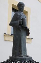 Kloster Aldersbach: Mönch mit Bierkrug (Helgoland01) Tags: aldersbach bayern bier kloster brauerei beer statue niederbayern
