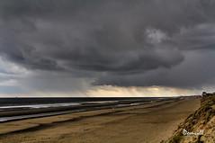 Giboulée sur la plage de Zuytcoote (DOMVILL) Tags: zuytcoote ciel domvill nuages pluie wwwflickrcompeoplevildom