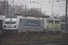 Eisenbahngesellschaft Ostfriesland-Oldenburg mbH Railpool 187 311-6 en SUNRAIL 140 002 in Emmerich 12-01-2019 (marcelwijers) Tags: bombardier 35247 2016 traxx f160 ac3 lm boboelde 1435 mm 91 80 6187 3116 drpool en kraussmaffei 18253 1957 6140 0027 dmwb eisenbahngesellschaft ostfrieslandoldenburg mbh railpool 187 sunrail 140 002 emmerich 12012019 311