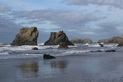 Rough surf was rolling in (rozoneill) Tags: bandon beach face rock coquille point river devils kitchen oregon coast trail hiking