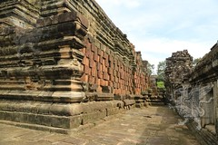 Angkor_Baphuon_2014_15