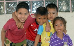 boys with little sister (the foreign photographer - ฝรั่งถ่) Tags: three boys children khlong lard phrao portraits bangkhen bangkok thailand nikon d3200