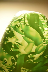Tree frog (stalkertoow) Tags: vase glass treefrog 2019 7119 7