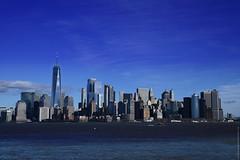 NYC - Manhattan skyline  # 047 (ricardocarmonafdez) Tags: nyc manhattan cityscape city ciudad cielo sky nubes clouds blue azul arquitectura architecture rascacielos skyscraper skyline buildings monocromo monochrome blackandwhite bn blancoynegro ricardocarmonafdez ricardojcf nikon d850