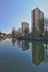 Les songes des Deux Tours (Tonton Gilles) Tags: alençon normandie hdr tours du champ perrier reflets rivière sarthe arbres paysage urbain ronce ciel bleu