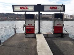 20190303_154149_R2 (Benoit Vellieux) Tags: france rhône 69 lyon stationservice gasstation tankstelle bateaudeplaisance pleasure boat bootsport bateau boot avi