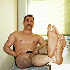 Spartacus (300) (@the.damned.spartacus) Tags: male big muscle bulge hunk hairy legs feet foot fetish toe chest gym iranman iran israel arab arabian arabmales arabdaddy turk arabfeet turkishfeet