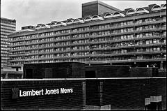 C36-2 1975 Brutalism (hoffman) Tags: housing architecture brutalist brutalism city urban london outdoors street barbican brunswickcentre londonwall concrete davidhoffman wwwhoffmanphotoscom