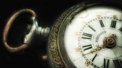 Decadencia (Marina Is) Tags: timepieces relojes watches decadencia decay macromondays hmm macrofotografia