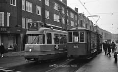 Voltooid verleden tijd (railfan3) Tags: amsterdam amsterdamse amsterdamsetrams amsterdamtrams amsterdamsetram amsterdamwest wittedewithstraat tramwittedewithstraat trams1970 tramlijn7 tramstramlijnen gvb688 grijzetrams greytrams bijwagens gvb882 trams motorwagenbijwagen triebwagenbeiwagen trolleys tramcars tramway tramwagens trammaterieel tramrijtuigen blauwetrams retrotrams vintagetrams klassieketrams classictrams tramsregen publictransport openbaarvervoer trammetjes tramstellen tramwegmaterieel tramways streetcars strassenbahnwagen strasenbahn tramhalte straatbeeld nederlandse nederland dutch dubbelgeledetrams