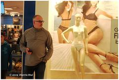 Looking For Good Bodies - Richmond Centre XT6745e (Harris Hui (in search of light)) Tags: harrishui fujixt1 digitalmirrorlesscamera fuji fujifilm vancouver richmond bc canada vancouverdslrshooter mirrorless fujixambassador xt1 fujixcamera fujixseries fujix fujixf35mmf2 fujiprimelens fixedlens standardlens candid street fashion shopping shoppingmall body goodbody streetphotography man women wear observe looking peoplewatching shopper life moment