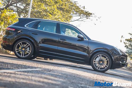 Porsche-Cayenne-Turbo-19