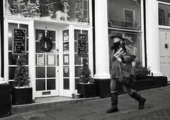 Is Britain in Good Hands (Bury Gardener) Tags: monochrome mono burystedmunds bw blackandwhite britain nikond7200 nikon england eastanglia uk people peoplewatching folks suffolk streetphotography street streetcandids snaps strangers candid candids 2019 abbeygatestreet