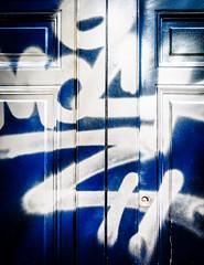 DoorMark.jpg (Klaus Ressmann) Tags: klaus ressmann omd em1 abstract fparis france spring blue design flcstrart grafitti streetart white klausressmann omdem1