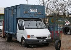 N839 MCK (Nivek.Old.Gold) Tags: 1995 ford transit horsebox 2496cc diesel