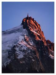Au coucher du soleil (Valy'mages) Tags: aiguilledumidi alpes hautesavoie coucherdesoleil paysage landscape mountains rhônealpes sunset nature neige snow hiver winter
