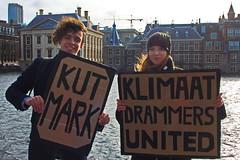 Defying Dutch climate politics (chipje) Tags: street demonstration studentsforclimate dutch climate binnenhof torentje markrutte hofvijver thehague netherlands skippingclass klimaatdrammers