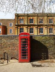 _B5A1976REWS Call, © Jon Perry, 17-3-19 zbp (Jon Perry - Enlightenshade) Tags: jonperry enlightenshade arranginglightcom kew kewgardens 17319 20190317 phone phonebox red