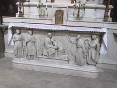 Jesus and saints, altar carving, Église Saint-Polycarpe, Lyon, France (Paul McClure DC) Tags: lyon france july2017 auvergnerhônealpes architecture historic church lacroixrousse sculpture
