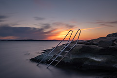 Fiskebäck (jarnasen) Tags: fuji xt30 1024mm xf1024mmf4 tripod longexposure landscape le ocean seascape sea settingsun sunset color colourful copyright jarnasen järnåsen nature nordiclandscape ndfilter nisi nd1000 ladder smooth sverige sweden scandinavia sky clouds rocks cliffs göteborg fiskebäck calm mood atmosphere light shadows perspective composition
