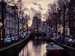 A0153078 (rpajrpaj) Tags: amsterdam city netherlands nederland nederlandvandaag bluehour thebluehour cityscape citylights
