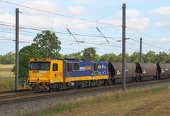 6654. 7142+7128+7116 on UV95 loaded coal at Yukan 30-10-14 (Aussie foamer) Tags: 7142 71class 7100class siemens pacificnational coaltrain yukan queensland train railway electriclocomotive locomotive rpauqld71class rpauqld71class7142