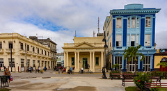 "Eclectic Architecture of Sagua la Grande. - Former ""The National City Bank of New York"" ... don;t know what originaly was the blue building (lezumbalaberenjena) Tags: sagua villas villa clara cuba 2019 lezumbalaberenjena"